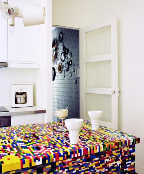Pics-Kitchen-Island-Made-of-20000-Lego-Bricks-2