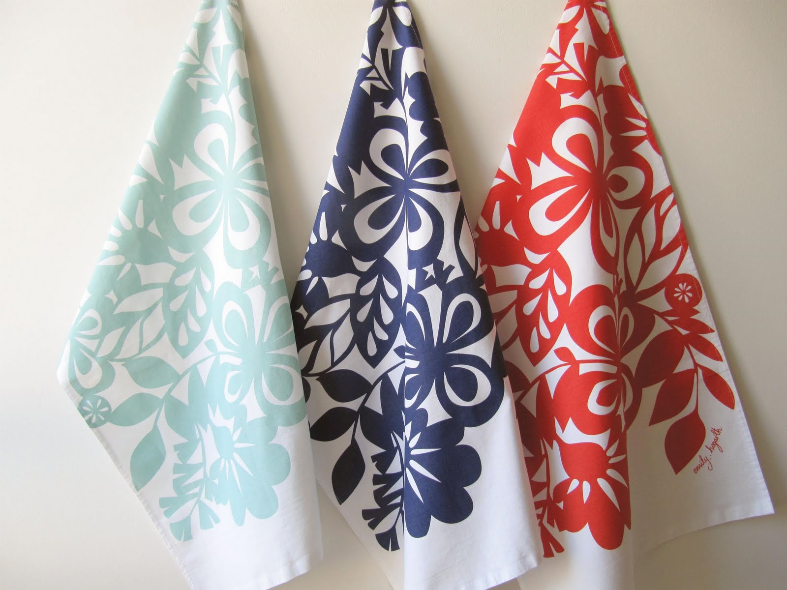Kitchen Towel Hanging Tuesdays Giveaway Emily Hogarth Conversation Pieces