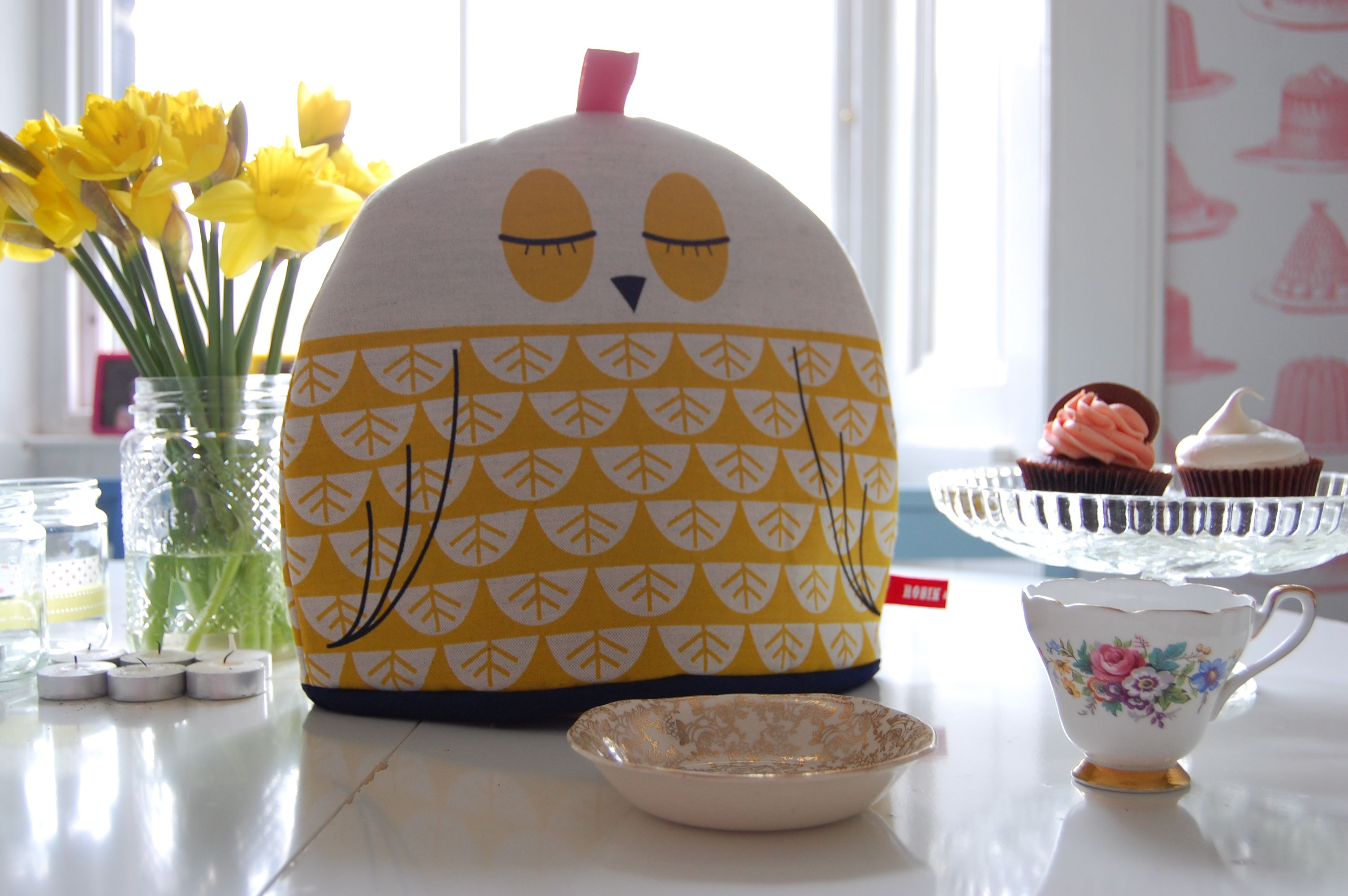 breakfast sunday cp Tea cosy (and cupcake) love